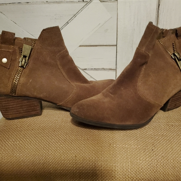 CROWN suede ankle boots